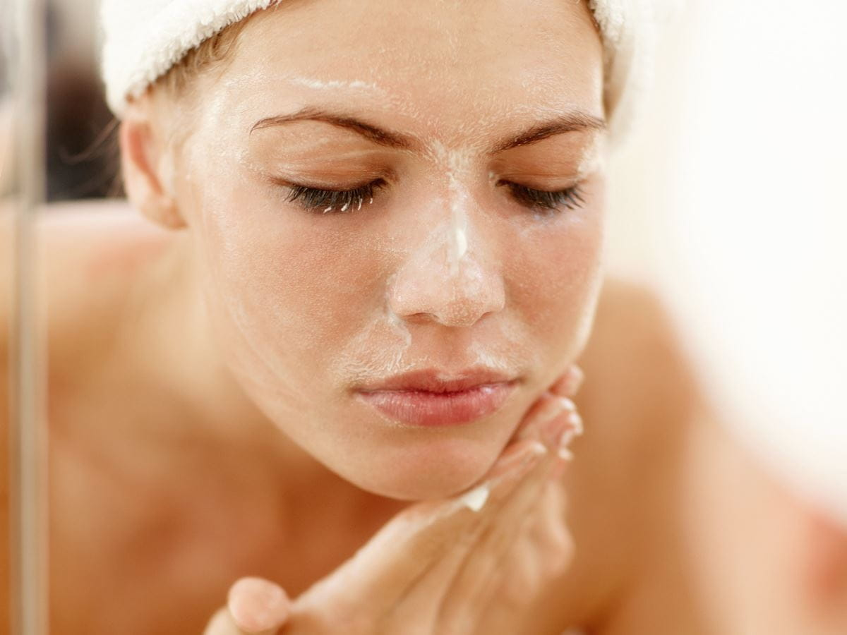 cleansing face
