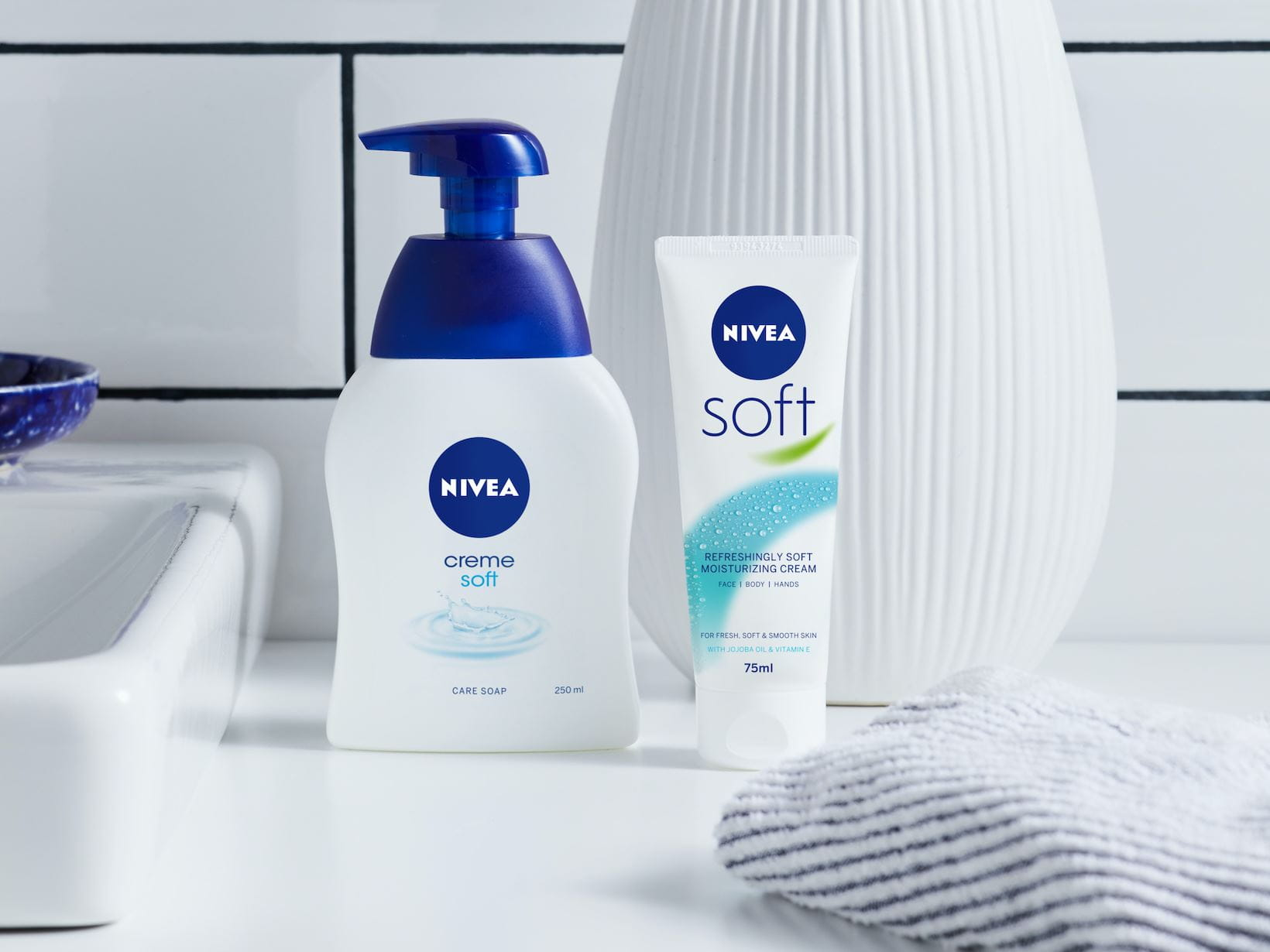 nivea soft hand soap for hand washing